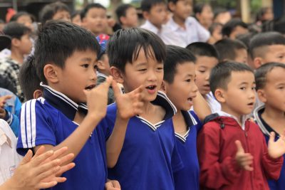 Học sinh thi Kéo co – chào mừng ngày thành lập Đoàn TNCSHCM 26/3/2021